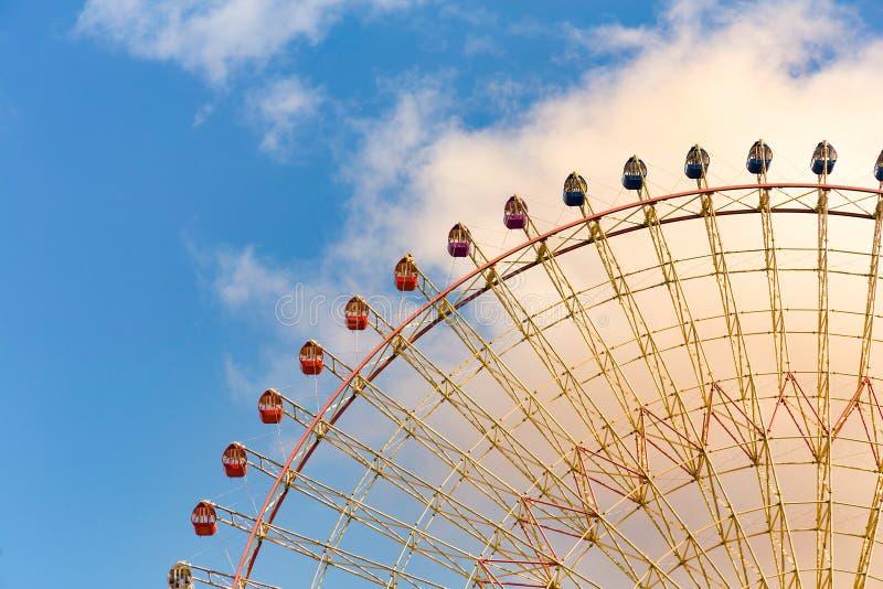 游乐园娱乐巨人轮子 免版税库存照片