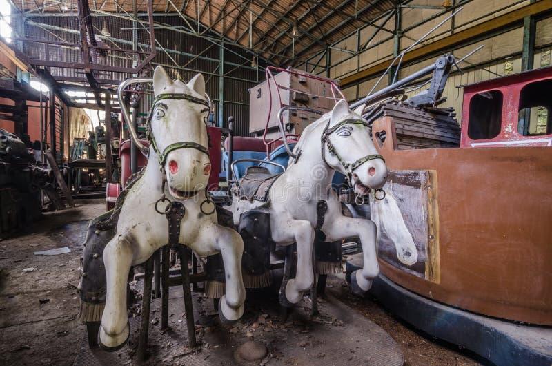 游乐园马在大厅里 免版税库存照片