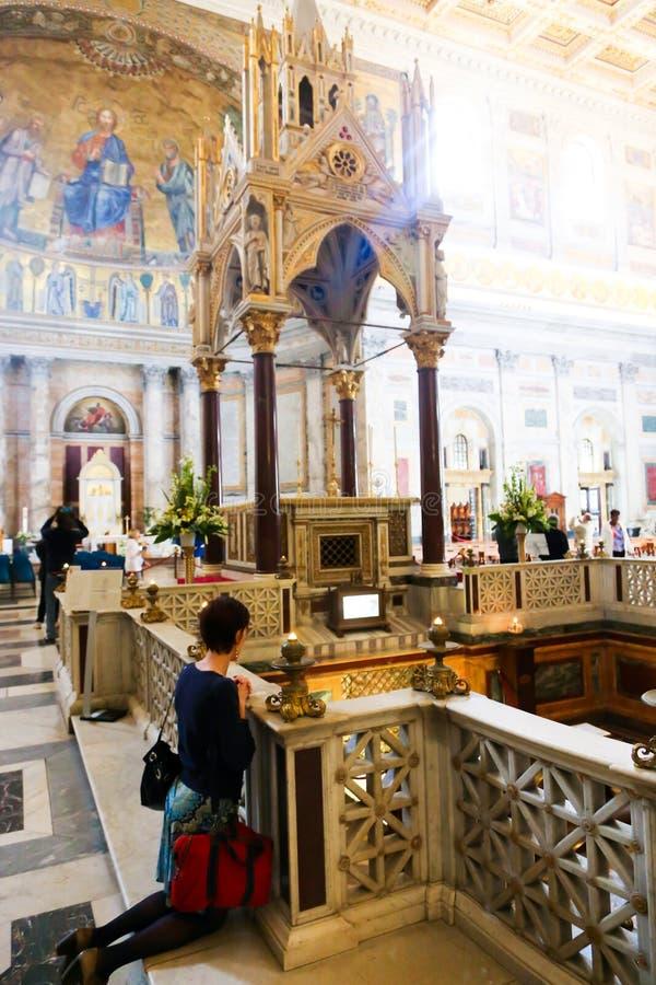 游人和信徒梵蒂冈的,意大利 库存图片