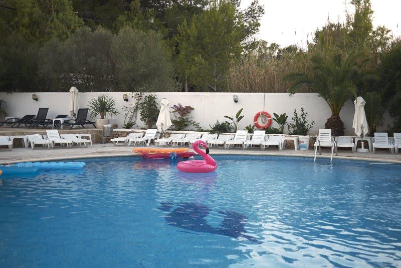 游泳池在伊维萨岛 免版税库存图片