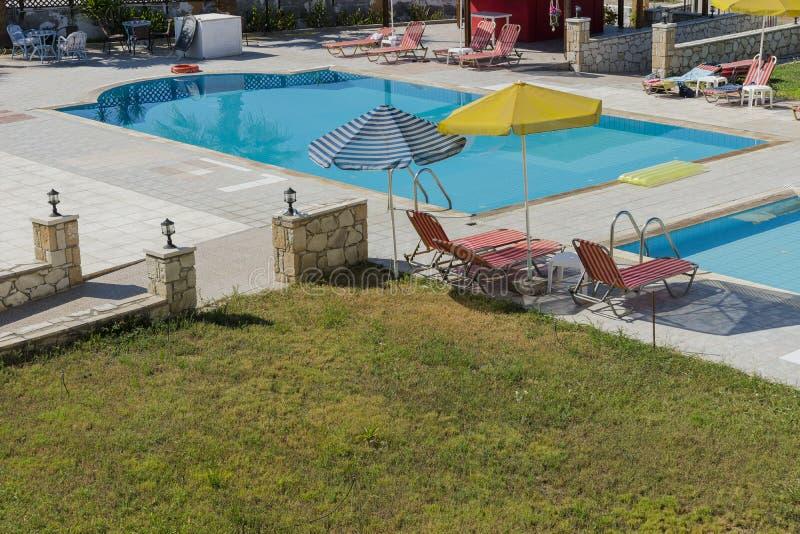 游泳池在克利特 库存图片