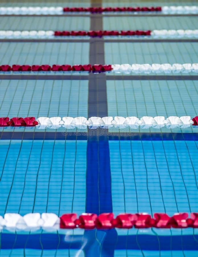 游泳池运输路线 免版税图库摄影