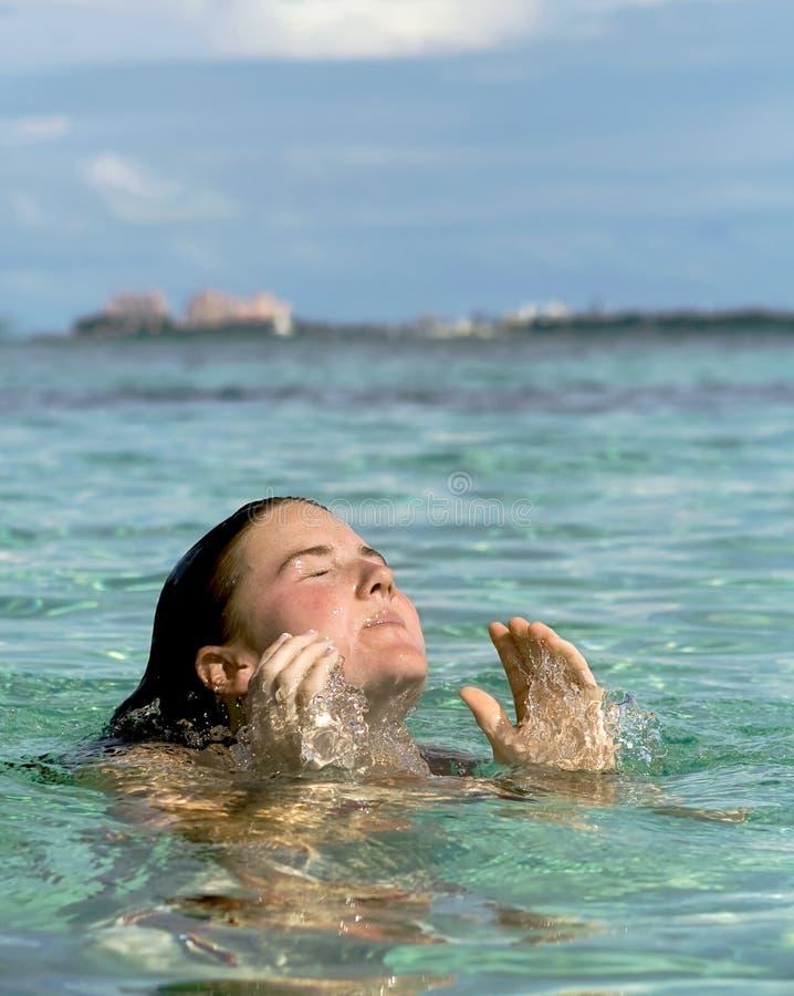 游泳热带 免版税库存照片