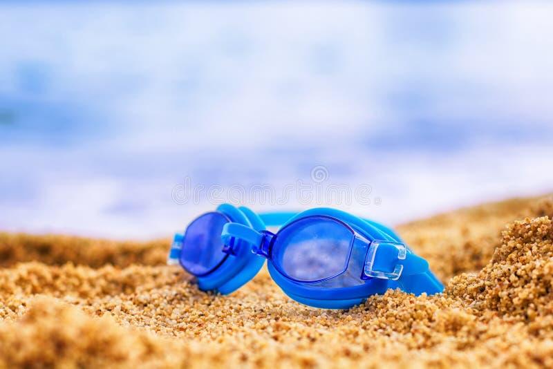 游泳风镜海滩 免版税图库摄影