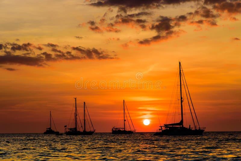 游艇在海洋 免版税库存图片