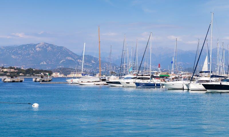 游艇在阿雅克修,可西嘉岛,法国小游艇船坞  免版税库存图片