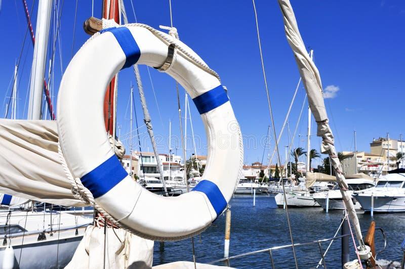 游艇在Empuriabrava,西班牙小游艇船坞  免版税库存照片
