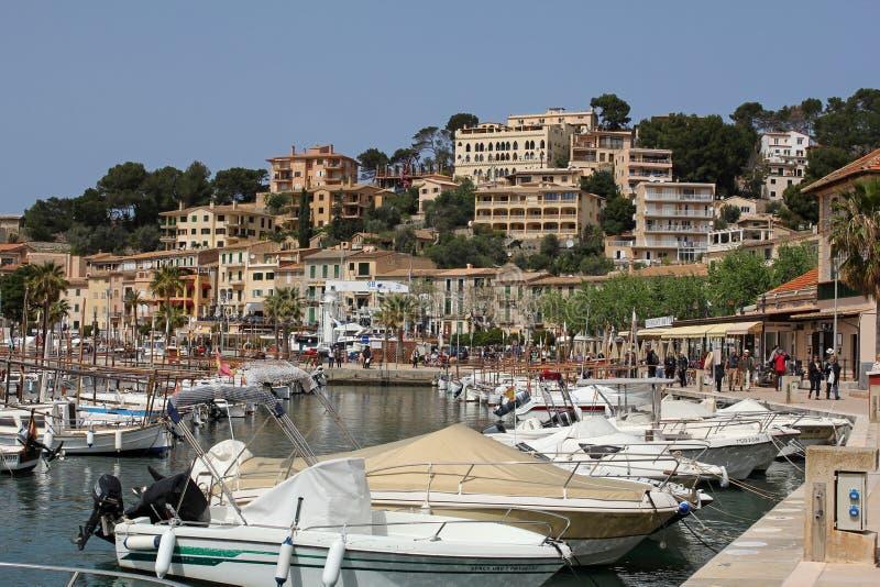 游艇在Port de索勒,马略卡,西班牙港口  图库摄影