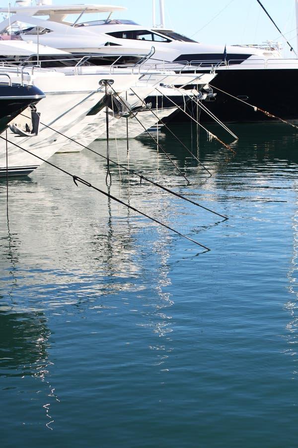 游艇在马尔韦利亚 免版税库存图片