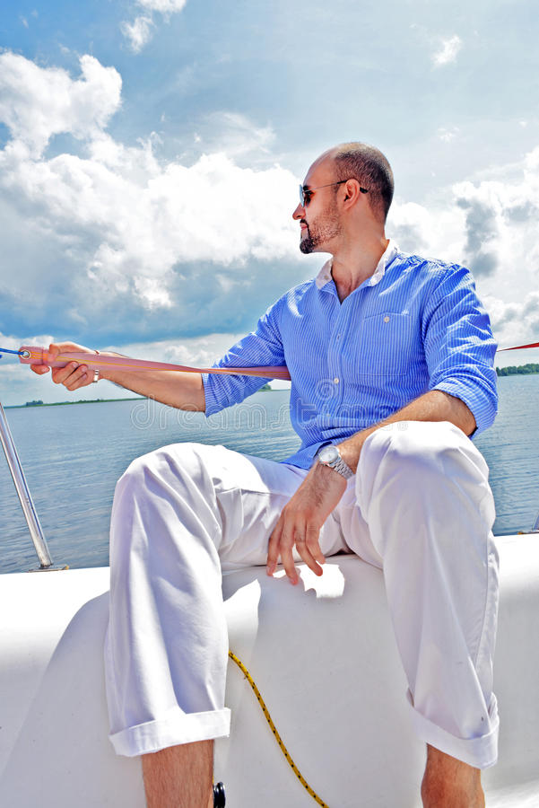 游艇的时尚人。 免版税库存照片