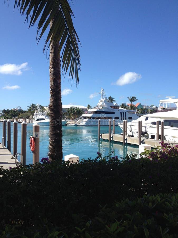 游艇靠了码头亚特兰提斯小游艇船坞 免版税库存照片