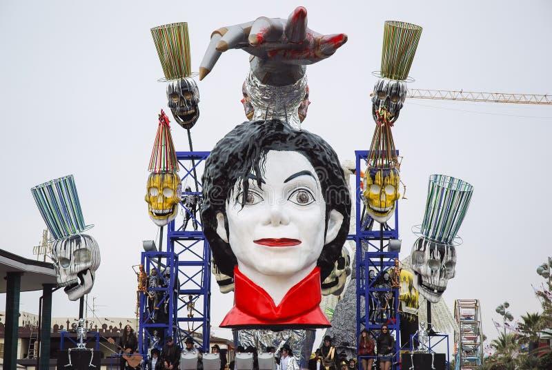 游行浮游物的迈克尔・杰克逊在维亚雷焦期间狂欢节  库存图片