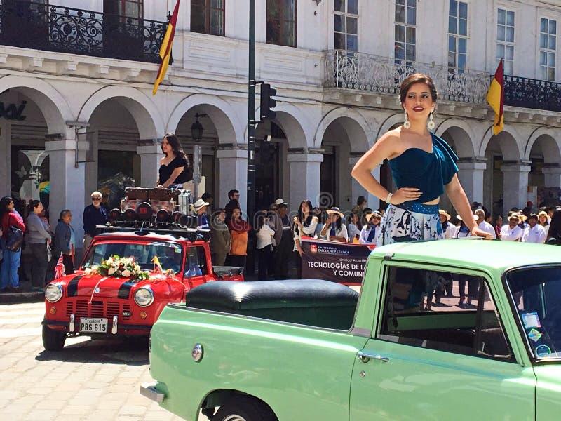 游行的美丽的妇女在昆卡省,厄瓜多尔 免版税库存照片