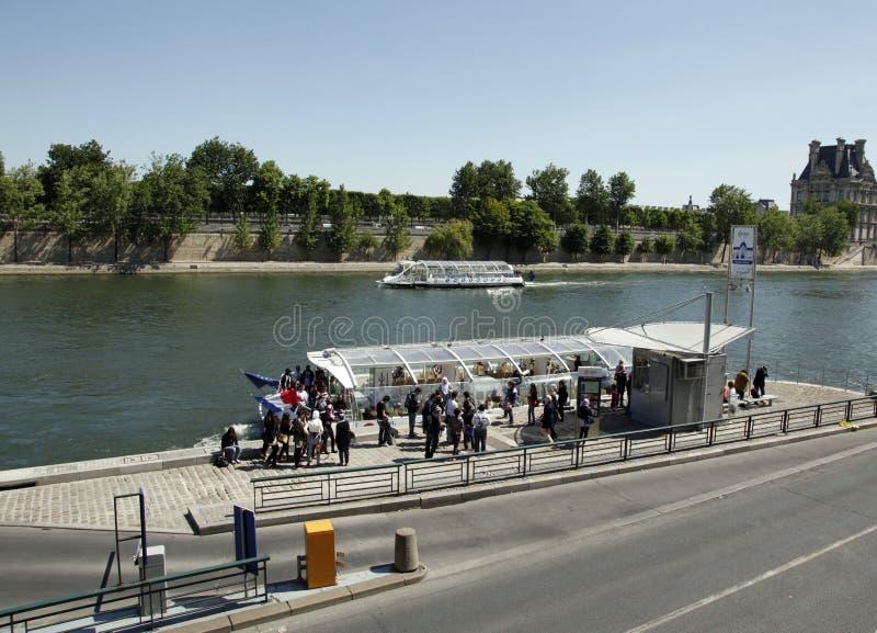 游览小船,塞纳河,巴黎,法国 免版税库存图片