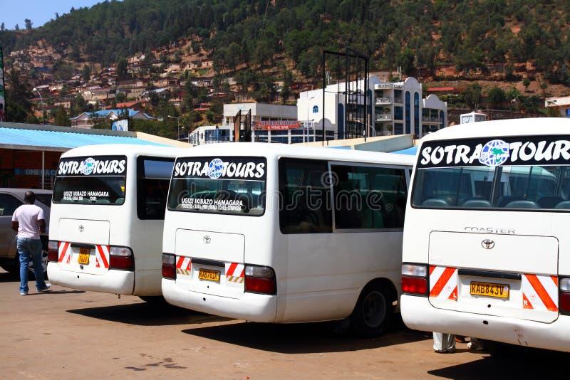 游览车在基加利,卢旺达汽车站 免版税库存照片