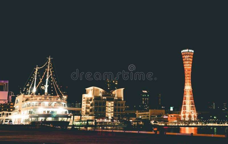 游轮在神户口岸港口靠码头 免版税库存照片