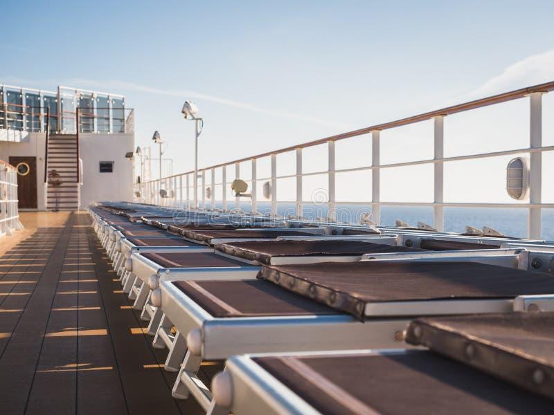 游轮的空的海甲板 库存照片