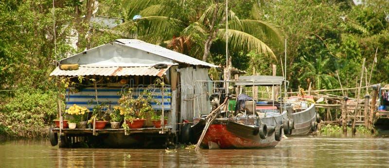 湄公河三角洲的浮动房子,越南 免版税库存图片