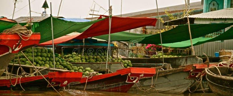 湄公河三角洲的西瓜商店,越南 免版税库存照片