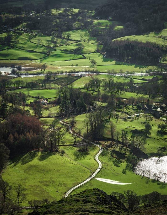 湖从Loughrigg的区视图下跌 库存图片