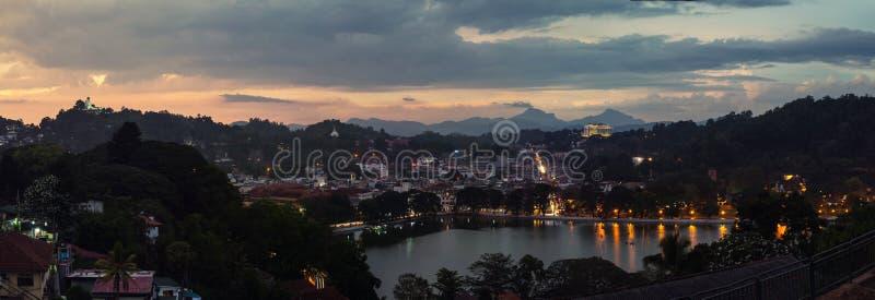 湖在康提,斯里兰卡 免版税库存照片