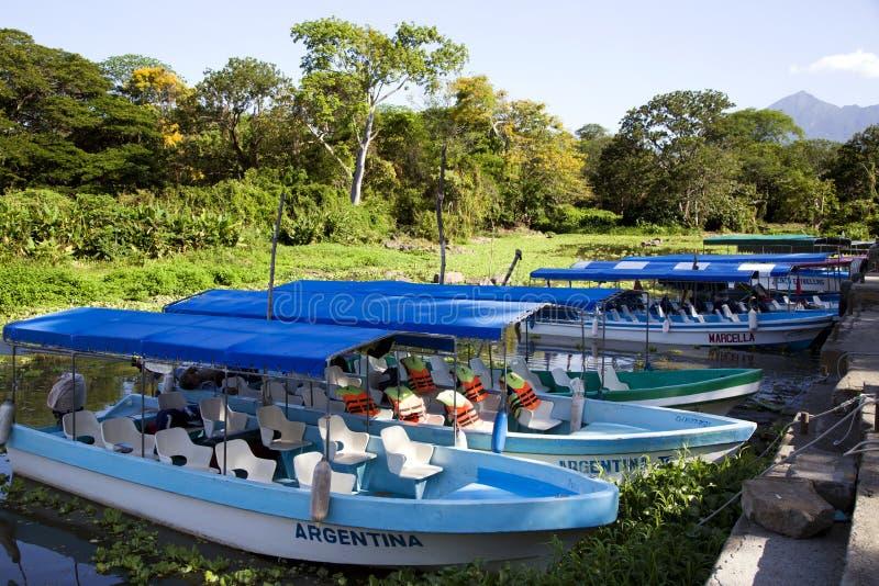 湖尼加拉瓜海岸线美妙的风景  免版税库存图片