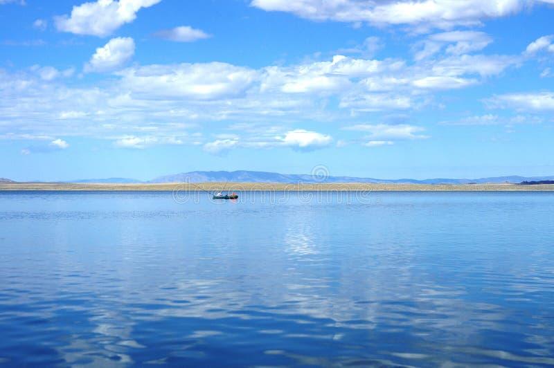 湖撕毁了Khol 库存照片