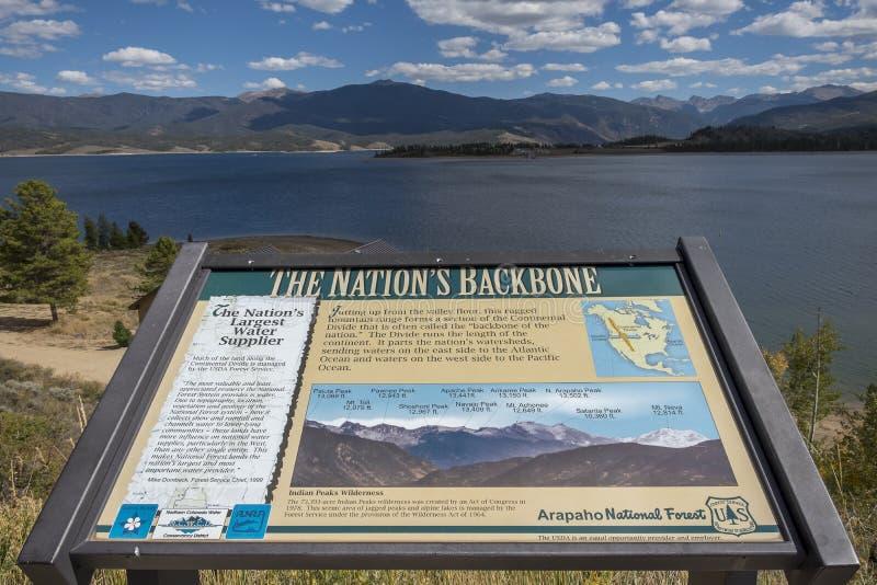 湖格兰比落矶山国立公园 免版税库存图片