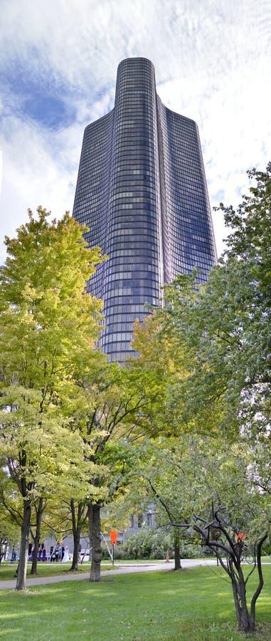 湖点塔在芝加哥在一个晴天 免版税库存图片