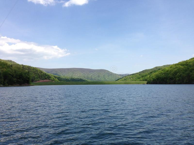 湖生活放松 库存图片
