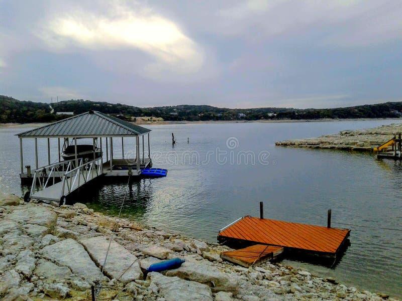 湖的小船船坞 库存图片