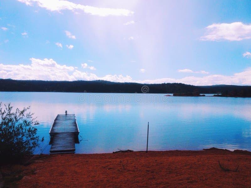 湖的码头 库存图片