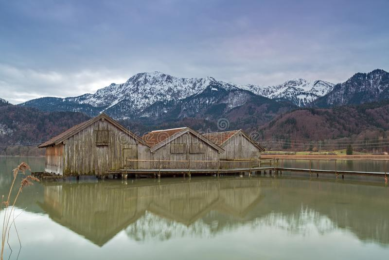 湖的Kochelsee,巴伐利亚,德国船库 免版税库存图片