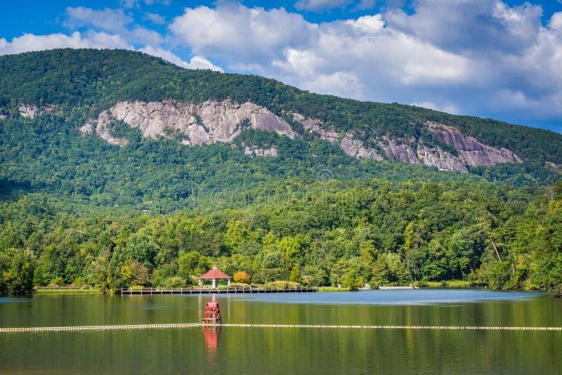 湖诱剂和山在湖诱使,北卡罗来纳 免版税库存照片