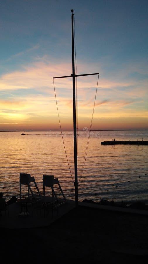 湖边日落 库存图片