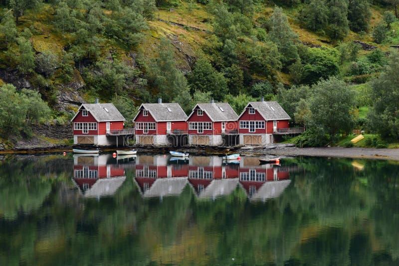湖边村庄Flaam水平的挪威 库存照片
