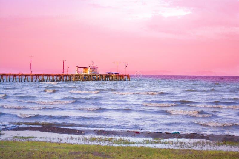 湖边的码头 免版税库存图片