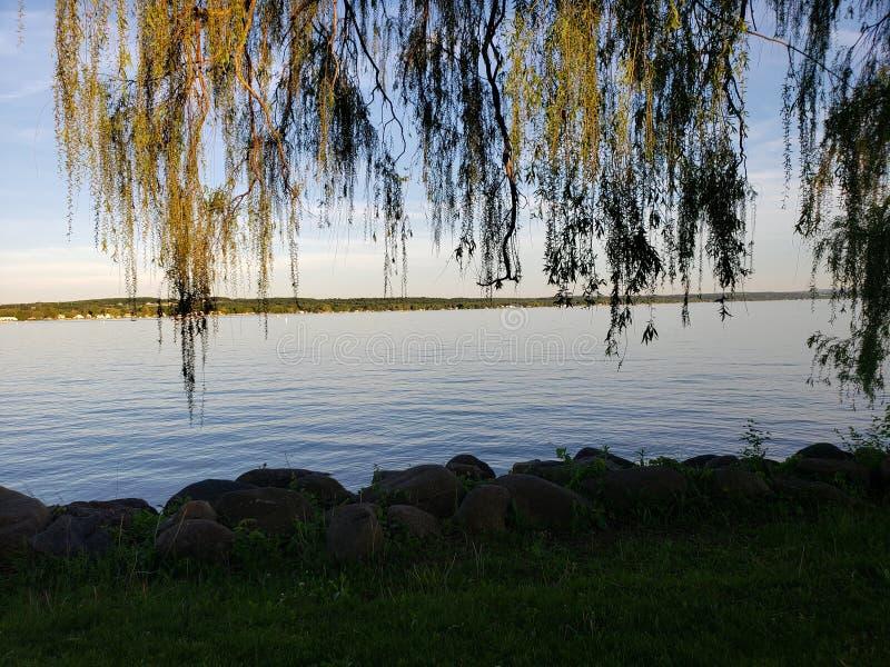 湖边观点的卡南代瓜 图库摄影