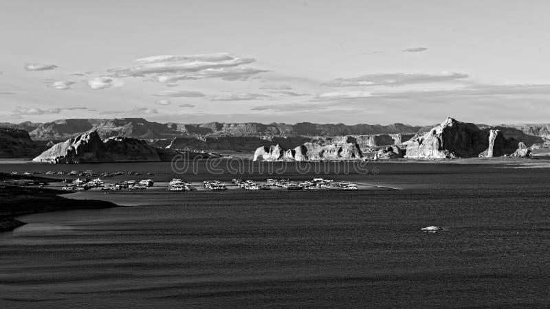 湖鲍威尔,黑白的亚利桑那 免版税库存照片