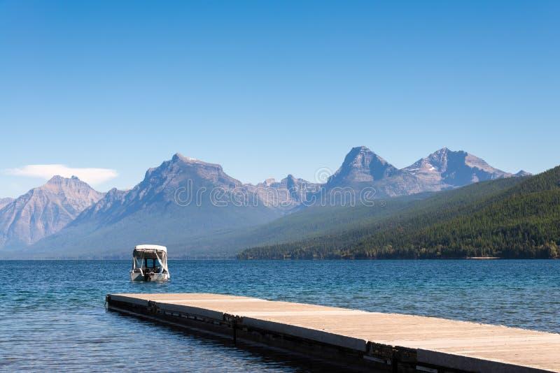 湖麦克唐纳, MONTANA/USA - 9月20日:湖McDonal看法  免版税库存照片