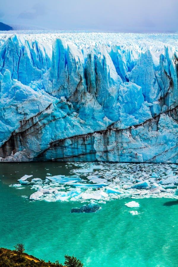 湖Argentino Calgaspors - 免版税库存图片