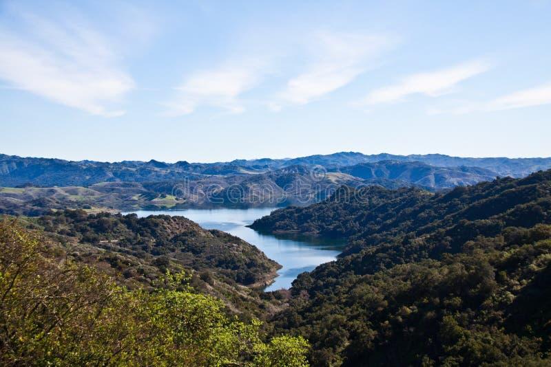 湖Casitas 免版税图库摄影