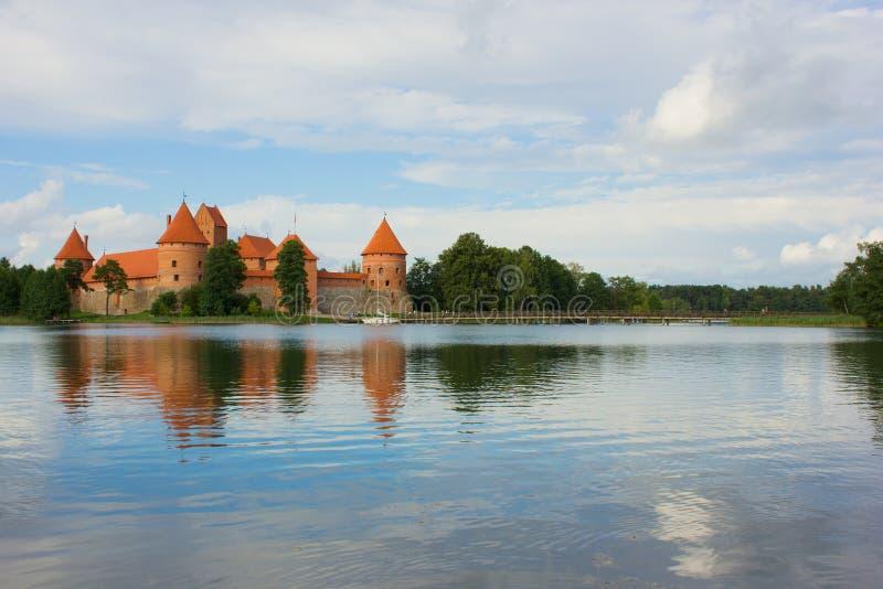 Download 湖Galve和Tracai城堡,立陶宛 库存照片. 图片 包括有 历史, 地标, 室外, 天堂, 云彩, 外部 - 30335292