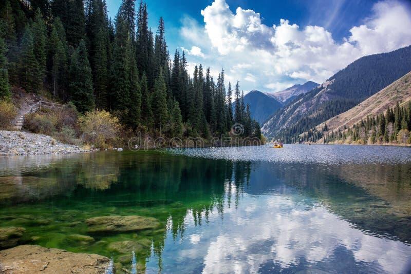 湖Kolsay 库存图片