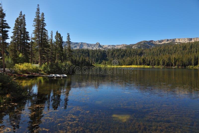 湖Mammoth Mountain沉寂 库存照片