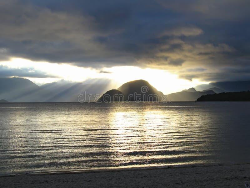 湖manapouri新西兰 免版税库存图片