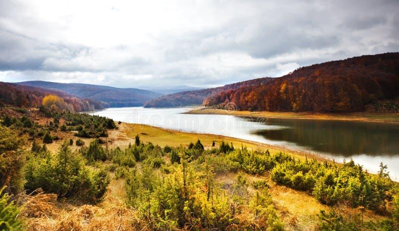 湖mavrovo 免版税库存照片