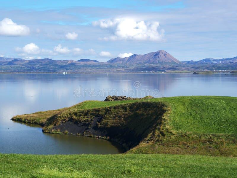 湖Myvatn,北冰岛 免版税图库摄影