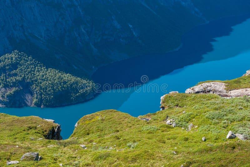 湖Ringedalsvatnet,挪威视图  免版税图库摄影