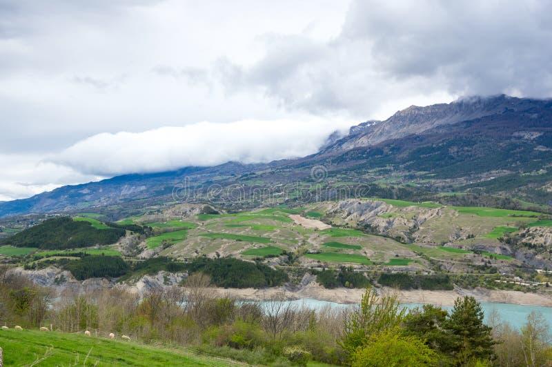 湖Serre-Poncon在法国 免版税图库摄影